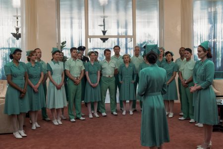 Mildred Ratched incorporándose en el hospital psiquiátrico